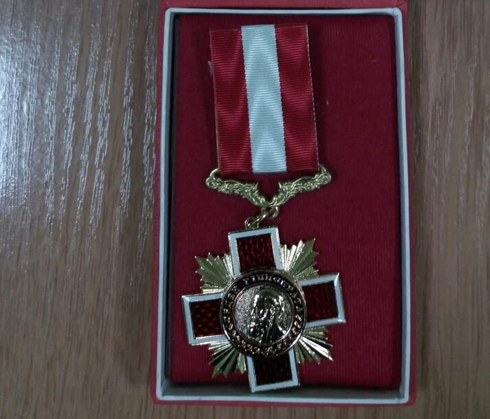 Вітаємо директора Сумського обласного клінічного госпіталю ветеранів війни Інессу Савенко з отриманням  «Ордена Гіппократа»